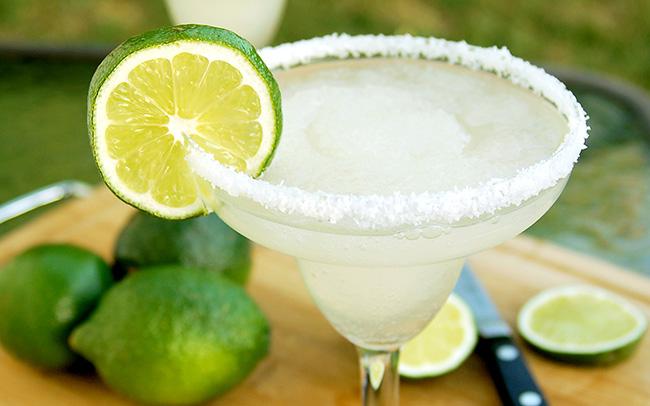 Cocktails de verão - Margarita de lima com gelado de lima