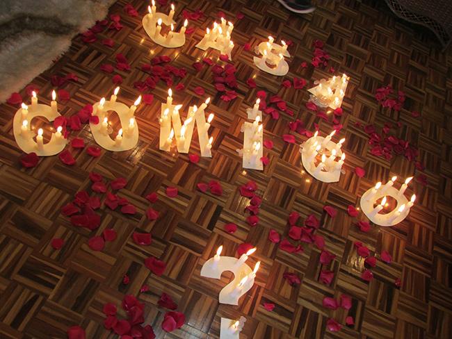 Os pedidos de casamento mais originais e românticos - com velas