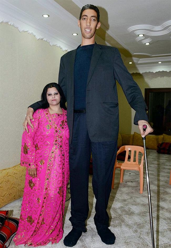 Os maiores do mundo: ohomem mais alto do mundo - Sultan Kosen
