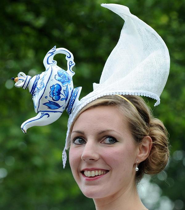 Chapéus loucamente originais - ideal para o chá das cinco