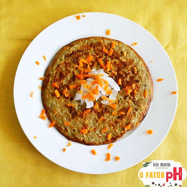 Panqueca de cenoura e coco - 4 super pequenos almoços alcalinos, por Rita Boavida