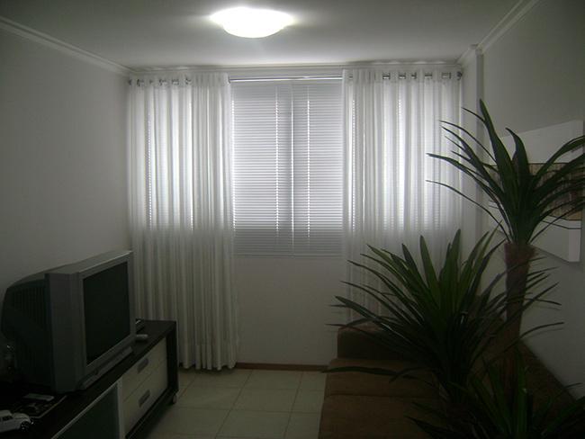 Ideias para a casa ficar mais fresca - opte por cortinas de tecidos leves