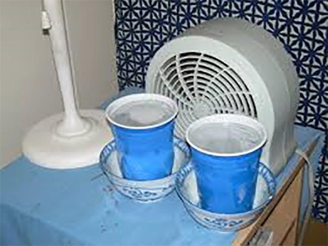 Ideias para a casa ficar mais fresca - coloque gelo à frente da ventoinha