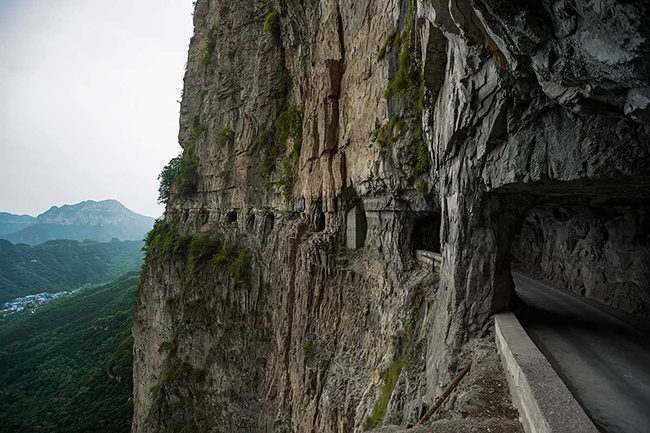 Os caminhos mais perigosos do mundo - Túnel de Guoliang, China