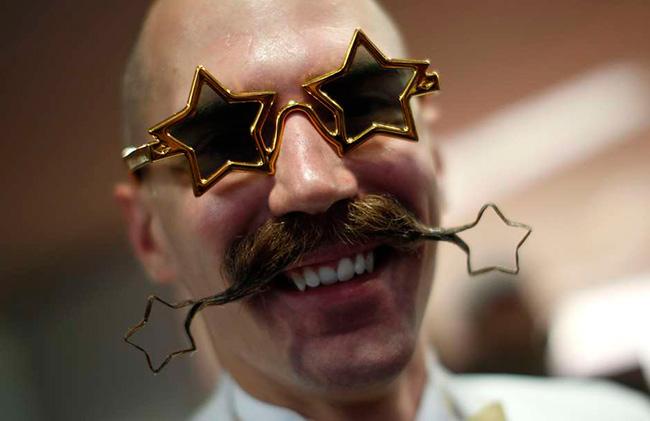 Bigodes de impor respeito - bigodes em forma de estrela