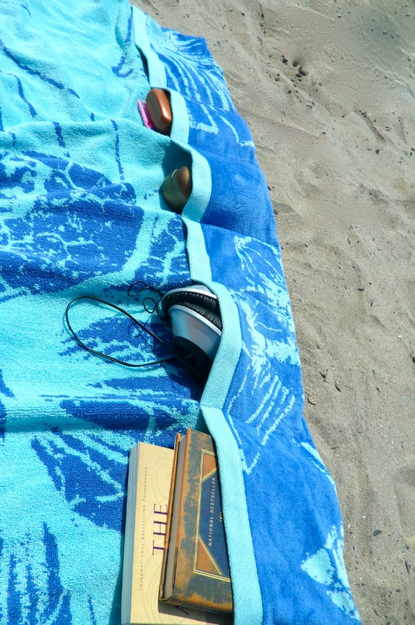 Toalhas de praia que não passam despercebidas - Toalha com bolsos