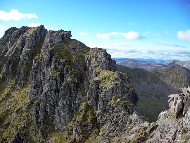 Os caminhos mais perigosos do mundo - Aonach Eagach, Escócia