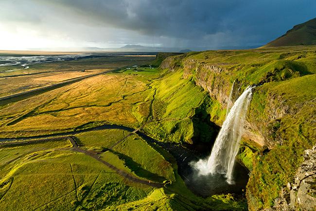 As cascatas mais deslumbrantes do mundo - Cascata de Seljalandsfoss, Islândia