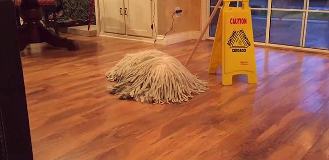 Dicas de limpeza - secar o chão mais depressa