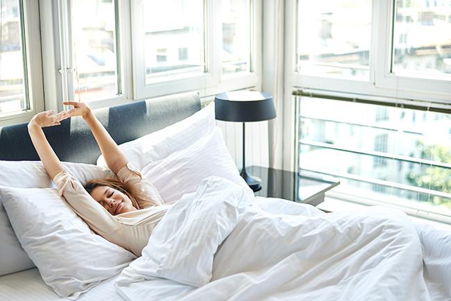 Mindfulness, 5 dicas para ganhar paz e ser mais feliz - Crie uma rotina de despertar consciente