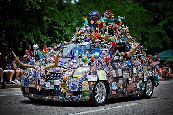Carros completamente loucos - Carro brinquedo