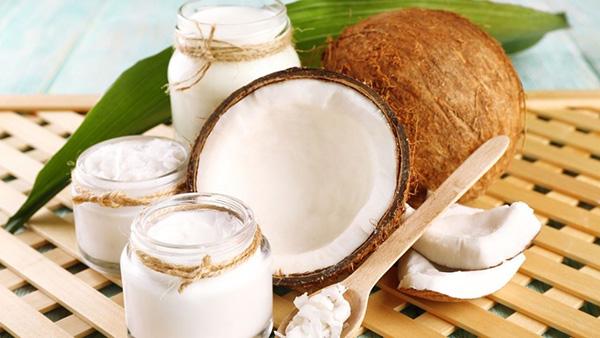 Benefícios do coco - FAVORECE A BELEZA DA NOSSA PELE