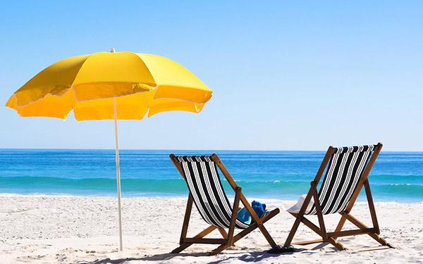 Dicas para um dia de praia perfeito - Acorde cedo