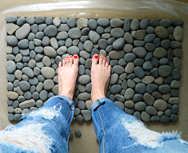 Decoração com Pedras e Seixos, 11 ideias sem custos - tapete