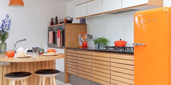 Dicas de decoração vintage e retro - cozinha em tons laranja