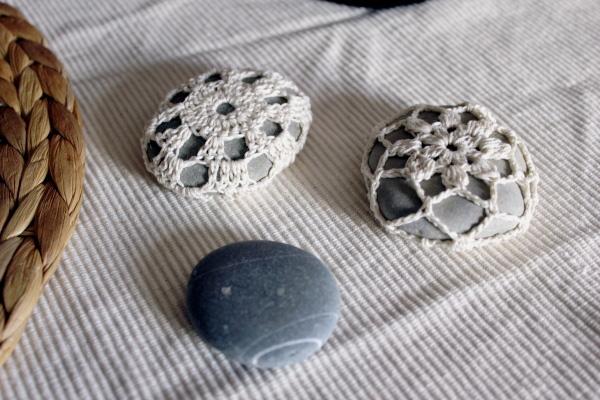 Decoração com Pedras e Seixos, 11 ideias sem custos - pisa-papéis