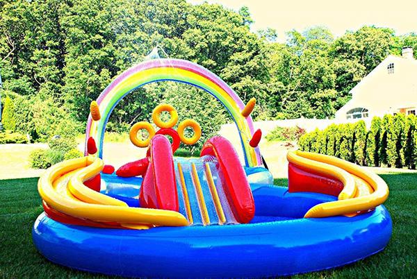 9 piscinas insufl veis muito divertidas like3za for Piscina de bolas toysrus