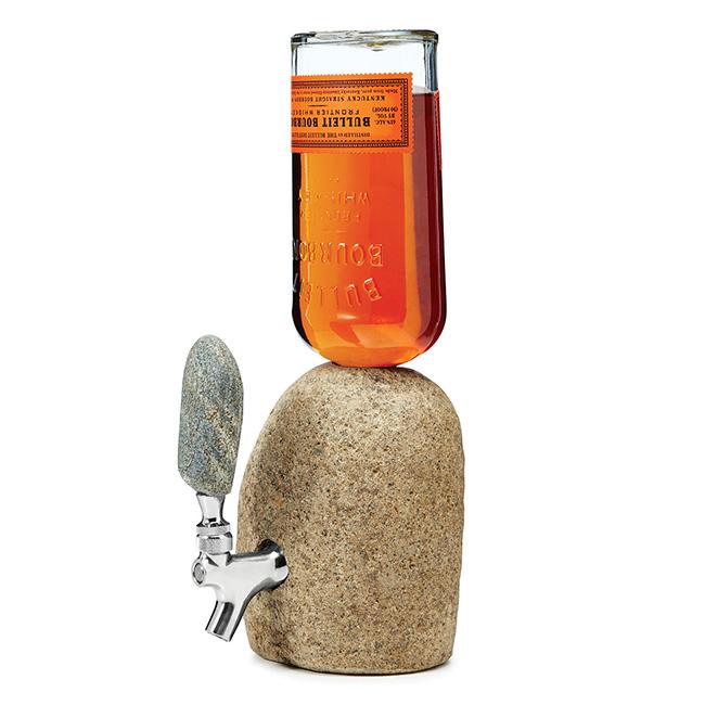 Refrescar-se com estilo - Dispensador de bebida em forma de pedra