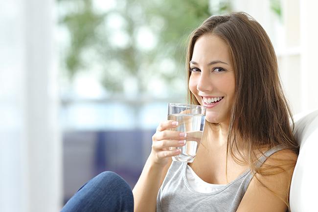 Dicas para se manter hidratado neste verão - Adote rotinas estratégicas