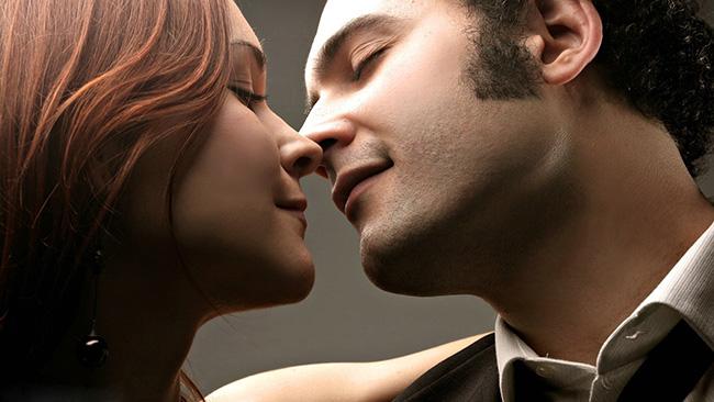 Formas diferentes de beijar - O beijo por aproximação