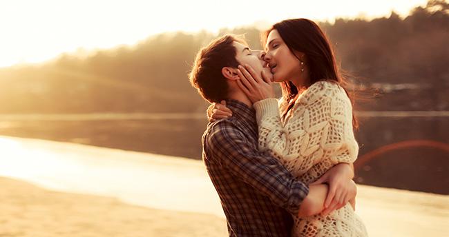 Formas diferentes de beijar - O beijo do reencontro