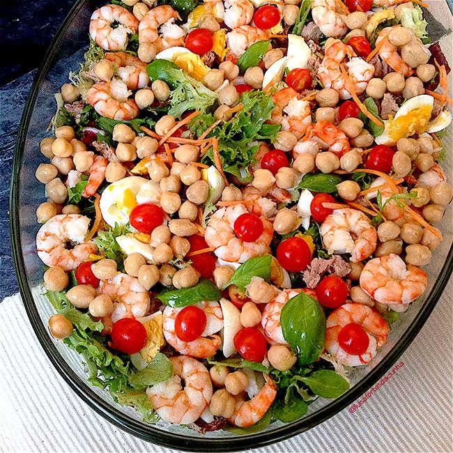 Saladas para um verão mais apetitoso - Salada de atum e camarão