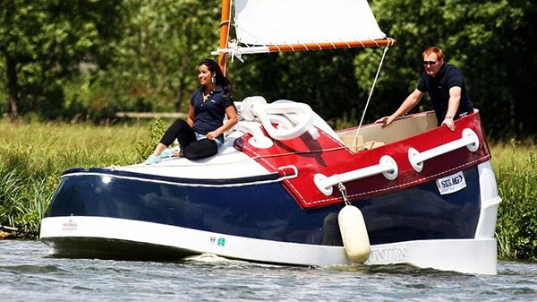 Barcos completamente loucos - barco em forma de sapato
