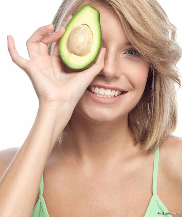 Benefícios do abacate - previne cataratas nos olhos
