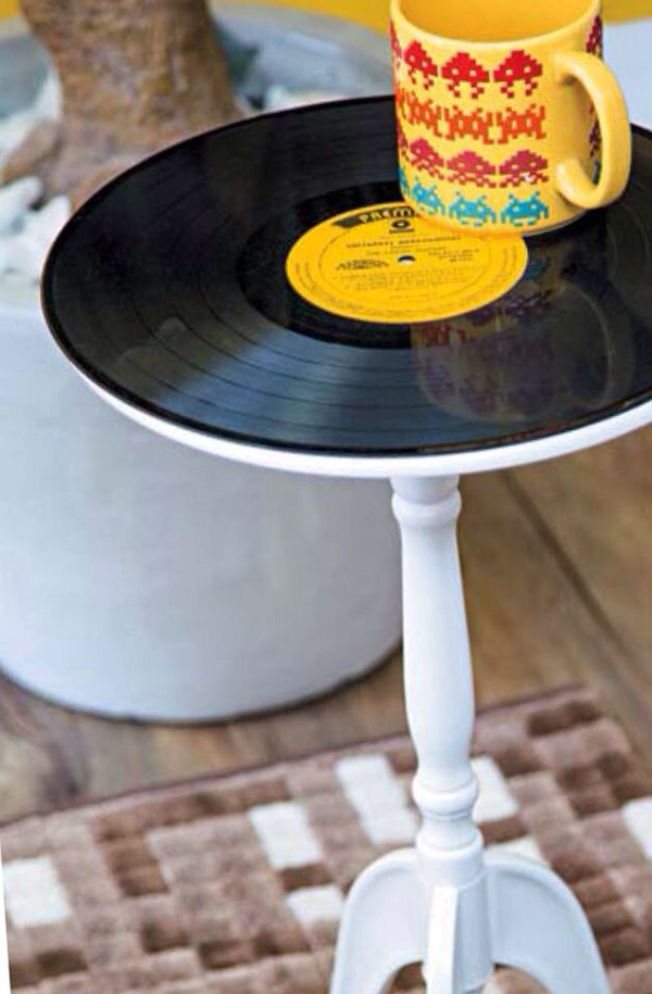 Ideias para reciclar discos de vinil - mesinha de apoio