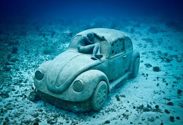 Esculturas que só podem ser vistas debaixo de água - carocha