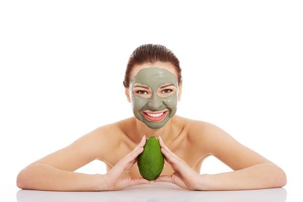 Benefícios do abacate - torna a nossa pele jovem e bela