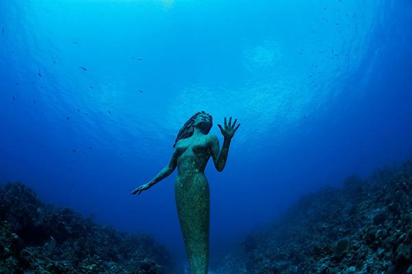 Esculturas que só podem ser vistas debaixo de água - sereia