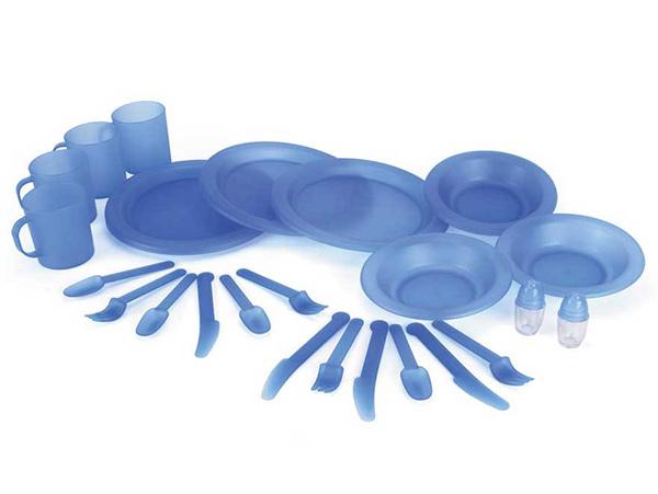 Um piquenique perfeito - opte por pratos e talheres de plástico mais rígido