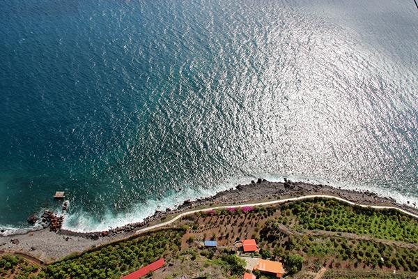 Praias do arquipélago da Madeira - Praia da Fajã do Cabo Girão – Funchal, Ilha da Madeira