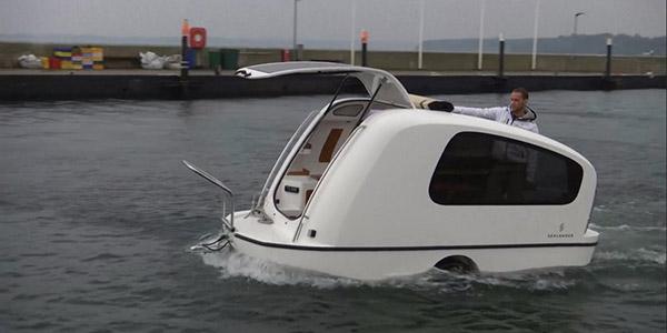 Barcos completamente loucos - barco atrelado de campismo