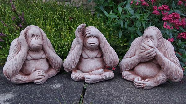 Esculturas para jardim que impressionam - os 3 macacos sábios