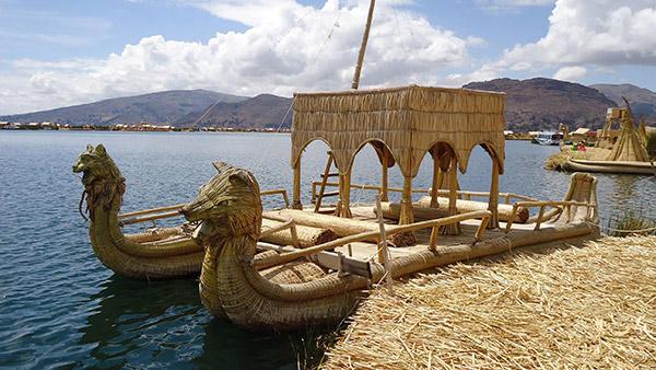 Barcos completamente loucos - barco feito de palhinhas