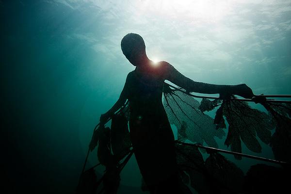 Esculturas que só podem ser vistas debaixo de água - Resurrection, de Jason deCaires Taylor