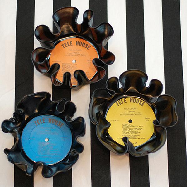 Ideias para reciclar discos de vinil - tigelas feitas com os discos de vinil