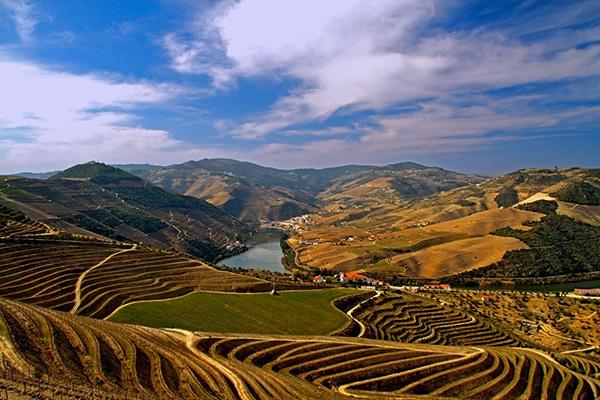 Alto Douro Vinhateiro - É Património Mundial da Unesco desde 2001