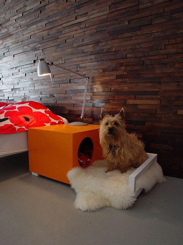 Casas amorosas para animais de estimação - uma cabeceira que é também uma casota para cães