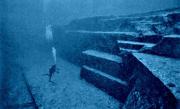 Esculturas que só podem ser vistas debaixo de água - uma das mais antigas estruturas no mundo