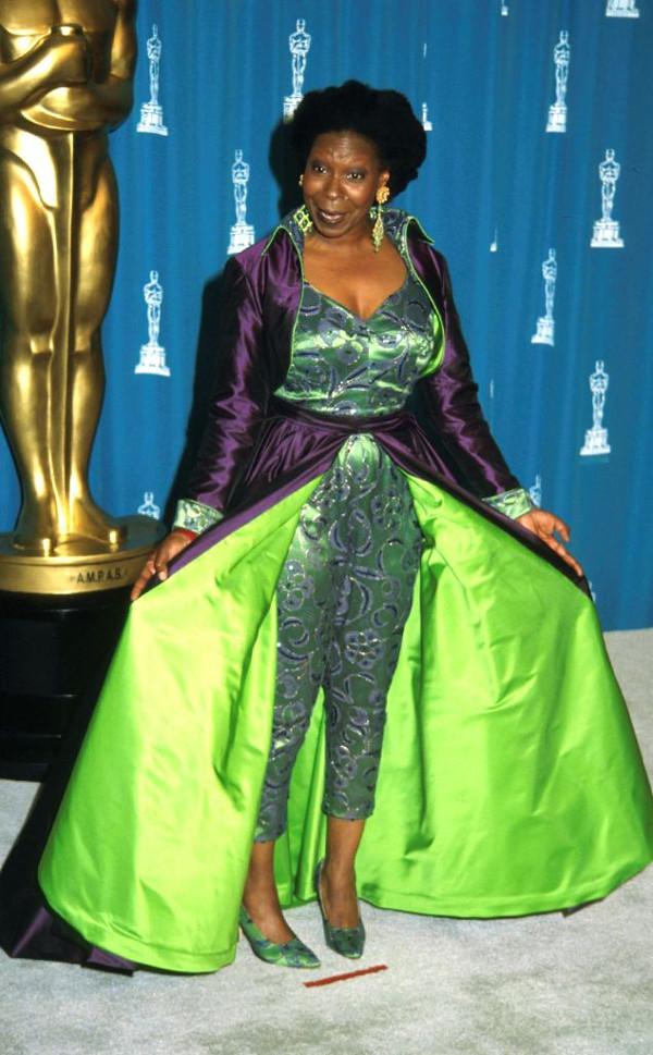Os vestidos de gala mais controversos de sempre - Whoopi Goldberg