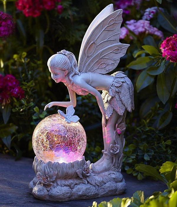 Esculturas para jardim que impressionam - fadas