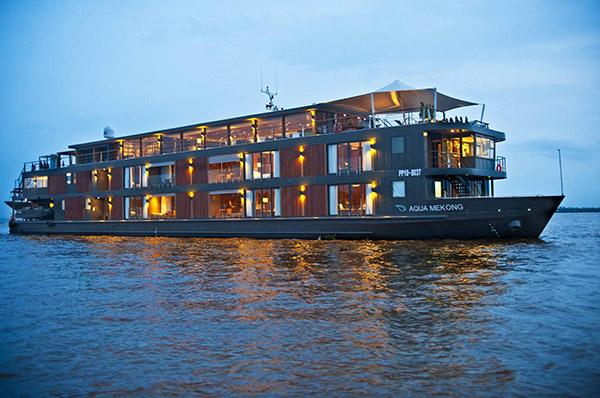 Barcos completamente loucos - barco Aqua Mekong