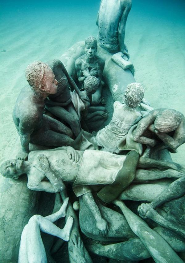 Esculturas que só podem ser vistas debaixo de água - escultura de Jason deCaires Taylor