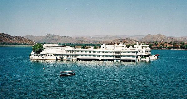 Palácios imponentes - Jag Niwas ou Palácio do Lago – Udaipur, Índia