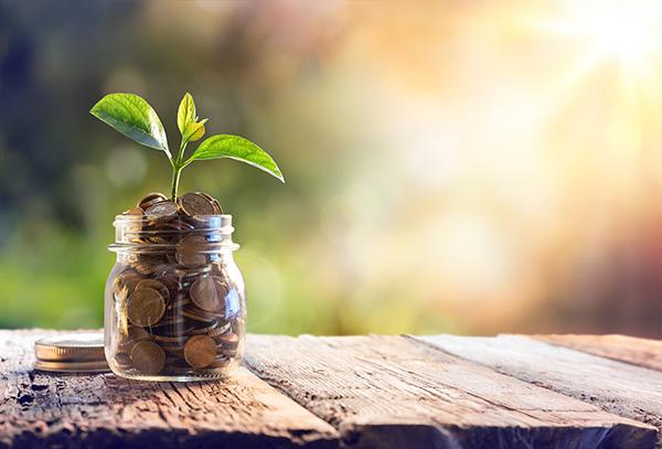Estratégias para poupar dinheiro para as próximas férias - Crie uma conta Poupança.