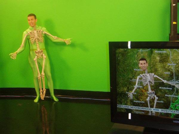 Disfarces de Halloween muito divertidos e assustadores - esqueleto vivo