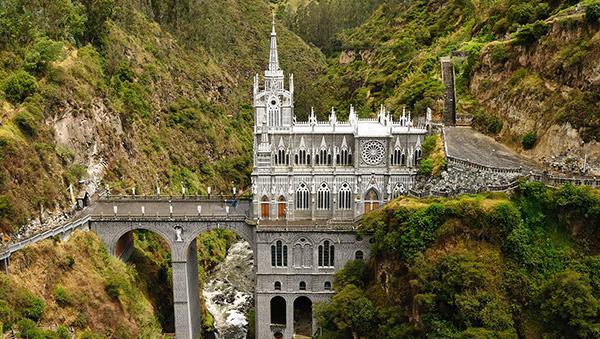 As mais belas igrejas do mundo - Santuário de Las Lajas - Colômbia